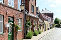 Die Stadt Friedrichstadt  liegt zwischen den Flüssen Eider und Treene im Kreis Nordfriesland in Schleswig-Holstein.