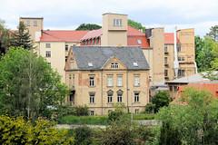 Fotos von der Stadt Löbau in der sächsischen Oberlausitz; Blick vom  König-Friedrich-August-Turm auf dem Löbauer Berg zu Gebäuden der Klavierfabrik Förster.