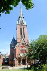 Architekturbilder aus dem Hamburger Stadtteil Eimsbüttel - Bezirk Eimsbüttel; Christuskirche an der Fruchtallee. Das Kirchengebäude wurde 1884 nach einem Entwurf des Berliner Architekten Johannes Otzen im Stil der Neugotik erbaut - im Krieg zerstört