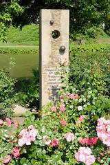 Bilder von der historischen Hansestadt Fürstenau im Landkreis Osnabrück - Bundesland Niedersachsen;  Gedenkstein an die zehntägige Belagerung der Stadt durch den schwedischen Grafen Königsmark während des 30-jährigen Krieges im Jahr 1647.