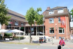 Architekturbilder aus dem Hamburger Stadtteil Eimsbüttel - Bezirk Eimsbüttel; Eingang vom Gebäude des Eimsbütteler Turnverband / ETV in der Osterstraße.