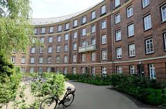 Architekturbilder aus dem Hamburger Stadtteil Eimsbüttel - Bezirk Eimsbüttel; Geschosswohnungsbau im Moorkamp, errichtet 1925 - Architekten  Vincen / Grimm.