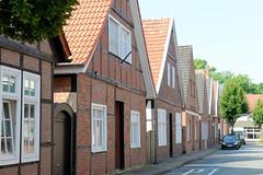 Bilder von der historischen Hansestadt Fürstenau im Landkreis Osnabrück - Bundesland Niedersachsen; Wohnhäuser - dicht zusammenstehende Einzelhäuser in Fachwerkbauweise in der Schwedenstraße.