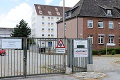 Fotos aus dem Hamburger Stadtteil Tonndorf - Bezirk Hamburg Wandsbek;  Heeresverpflegungsspeicher an der Rahlau - die denkmalgeschützten Speichergebäude wurden um 1937 errichtet und stehen unter Denkmalschutz.