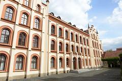 Fotos von der Stadt Löbau in der sächsischen Oberlausitz;  ehem. Preuskerschule - errichtet 1855 - Architekt  Carl August Schramm; seit 2004 technisches Rathaus.