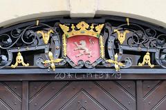 Fotos von der Stadt Löbau in der sächsischen Oberlausitz; Wappendekor über dem Eingang des jetzigen Stadtmuseums in der Johannisstraße.