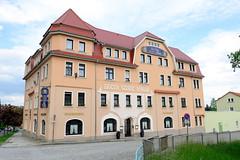 """Fotos von der Stadt Löbau in der sächsischen Oberlausitz; Hotel und Restaurant """"Stadt Löbau"""" in der Elisenstraße, errichtet um 1913."""