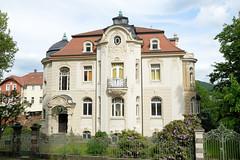 Fotos von der Stadt Löbau in der sächsischen Oberlausitz; historische Brücknerische Villa am Brücknerring, das denkmalgeschütze Wohnhaus wurde 1901 im Baustil des Neobarocks errichtet -  Architekt  Oswald Haenel.