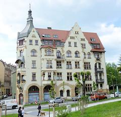 Fotos von der Stadt Löbau in der sächsischen Oberlausitz; Wohnhaus / Geschäftshaus am Promenadenring - späthistorische Fassade, errichtet  1905.