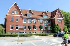 Bilder von der historischen Hansestadt Fürstenau im Landkreis Osnabrück - Bundesland Niedersachsen; alte Volksschule an der Bahnhofstraße, errichtet 1912.