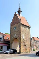 Bilder von der historischen Hansestadt Fürstenau im Landkreis Osnabrück - Bundesland Niedersachsen;  Blick von der Straße An den Schanzen zum Hohen Tor - ehem. Stadttor der Stadtbefestigung.