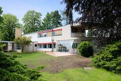 Fotos von der Stadt Löbau in der sächsischen Oberlausitz;  denkmalgeschüztes Haus Schminke - errichtet 1933 in der Kirschallee, Architekt Hans Scharoun.