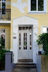 Architekturfotos aus dem Hamburger Stadtteil Eimsbüttel - Bezirk Eimsbüttel; Eingang eines Wohnhauses im Eidelstedter Weg - errichtet 1911 - Architekten Nagel & Dehmlow.