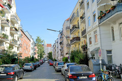 Architekturfotos aus dem Hamburger Stadtteil Eimsbüttel - Bezirk Eimsbütte; Etagenhäuser im Prätoriusweg - Blick zur Schule Lutterothstraße.