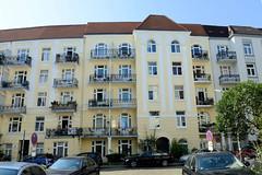 Architekturfotos aus dem Hamburger Stadtteil Eimsbüttel - Bezirk Eimsbüttel; Mehrfamilienhaus in der Odenwaldstraße - Jugendstilarchitektur, Architekt W. Herr - 1910.