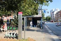 Architekturfotos aus dem Hamburger Stadtteil Eimsbüttel - Bezirk Eimsbüttel; Eingang U-Bahnstation Lutterothstraße, eröffnet 1965.