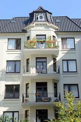 Architekturfotos aus dem Hamburger Stadtteil Eimsbüttel - Bezirk Eimsbüttel; Mehrfamilienhaus in der Odenwaldstraße - errichtet 1910, Architekt Wilhelm Herr.