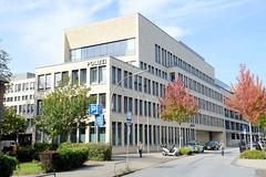 Marienthal ist ein Hamburger Stadtteil im Bezirk Hamburg Wandsbek.  Modernes Verwaltungsgebäude der Polizei in der Wandsbeker Straße Am alten Posthaus.