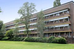 Fotos aus dem Hamburger Stadtteil Dulsberg - Bezirk Hamburg Nord. Innenhof der Frankschen Laubenganghäuser.