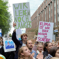 Fridays for Future - globaler Klimastreik, Demonstration mit ca. 100 000 TeilnehmerInnen am 20.09.19 in der Hansestadt Hamburg.