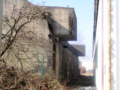 Bilder aus dem Hamburger Stadtteil Wilhelmsburg, Bunkeranlage beim Reiherstieg.  (2002)