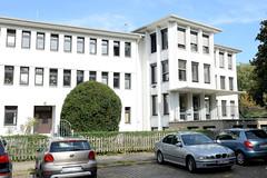 Marienthal ist ein Hamburger Stadtteil im Bezirk Hamburg Wandsbek.  Rückwärtige Eingang vom Bezirksamt Wandsbek / Gesundheitsamt.