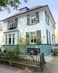 Marienthal ist ein Hamburger Stadtteil im Bezirk Hamburg Wandsbek. Bischof-Hermann-Kunst-Haus in der Wandsbeker Jüthornstraße - Sitz der Ev. Militärseelsorge.