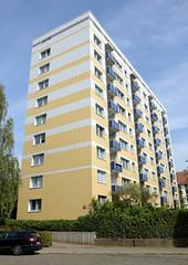 Bilder aus dem Hamburger Stadtteil Dulsberg - Bezirk Hamburg Nord. Hochhaus am Alten Teichweg / Thorner Gasse.