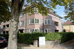 Marienthal ist ein Hamburger Stadtteil im Bezirk Hamburg Wandsbek. Denkmalsgeschützter Siedlungsbau einer Rauchstraße, errichtet um 1925.