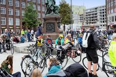 Fahrraddemo des ADFC am Tag des Klimastreiks in Hamburg - Motto Mehr Platz fürs Fahrrad.
