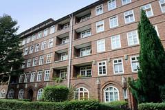 Fotos aus dem Hamburger Stadtteil Dulsberg - Bezirk Hamburg Nord. Wohnhäuser in der Angelnstraße - Siedlungsbauten, errichtet 1927; Architekten Klophaus & Schoch.
