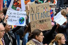 Fridays for Future - globaler Klimastreik, Demonstration mit ca. 100 000 TeilnehmerInnen am 20.09.19 in der Hansestadt Hamburg.