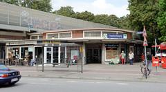Fotos aus dem Hamburger Stadtteil Dulsberg - Bezirk Hamburg Nord. Bahnhofsgebäude vom Bahnhof Friedrichsberg an der Krausestraße, Wiederaufbau 1953.