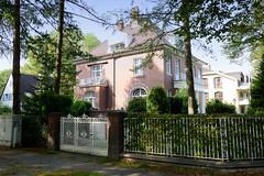 Marienthal ist ein Hamburger Stadtteil im Bezirk Hamburg Wandsbek. Villa in der Wandsbeker Ernst-Albers-Straße - das Wohnhaus wurde um 1912 errichtet und steht unter Denkmalschutz; Architekt J. Both.