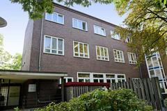 Marienthal ist ein Hamburger Stadtteil im Bezirk Hamburg Wandsbek.  Eingang zur Babyklappe - Erste Baby Hilfe    der Asklepios Klinik Wandsbeker Rauchstraße.