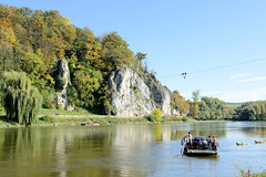 0677-fähre-staussacker Das Kloster Weltenburg ist eine Benediktinerabtei in Weltenburg, einem Ortsteil von Kelheim an der Donau in Niederbayern.