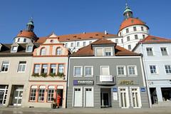 Neuburg a. d. Donau  ist eine Große Kreisstadt in Oberbayern.
