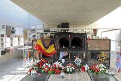 Das Memorial des ehem. KZ Gusen bei Mauthausen wurde über den erhaltenen gebliebenen Resten des Krematoriums des Konzentrationslagers errichtet.