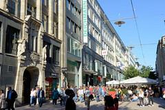 Bilder aus der Hamburger Innenstadt - Stadtteil Altstadt. Blick in die Fussgängerzone von der Spitalerstraße - Einkaufsstraße in der City.