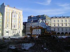 Bilder aus der Hamburger Innenstadt - Stadtteil Neustadt. s der Hamburger Innenstadt - Stadtteil Neustadt.  Baustelle am Gustav Mahler Platz - ein modernes Bürogebäude soll entstehen. (2004)