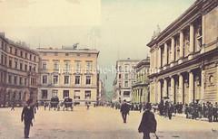 Bilder aus der Hamburger Innenstadt - Stadtteil Altstadt. Historische Architektur am Adolphsplatz - Geschäftsleute / Börsianer mit Melone oder Zylinder stehen auf der Treppe - Kutschen mit Kutscher warten auf dem Platz (ca. 1903).