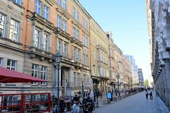 Bilder aus der Hamburger Innenstadt - Stadtteil Neustadt. Blick in die Fussgänger*inzone Colonnaden Richtung Gustav-Mahler-Platz.