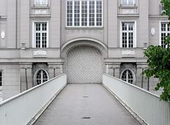 Bilder aus der Hamburger Innenstadt - Stadtteil Neustadt. Ehemalige Fussgängerbrücke über die Esplanade. (2005)