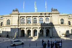 Bilder aus der Hamburger Innenstadt - Stadtteil Altstadt. Gebäude der Hamburger Handelskammer am Adolphsplatz, vormals Sitz der Börse - errichtet 1841, Architekt des spätklassizistischen Gebäudes war   Carl Ludwig Wimmel.