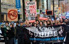 Demonstration gegen den Pelzhandel bei der Modekette ESCADA in der Hamburger Innenstadt.