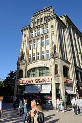 Bilder aus der Hamburger Innenstadt - Stadtteil Altstadt. Historisches Kontorhaus, Geschäftshaus Ecke Spitaler Straße / Lilienstraße; die sogen. Seeburg wurde 1908 errichtet - Architekt Franz Bach. Das Gebäude steht unter Denkmalschutz.