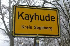 Ortsschild / Ortsgrenze von Kayhude, Kreis Segeberg an der Segeberger Chaussee.