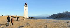 Das  Rubjerg Knude Fyr,  Leuchtturm Rubjerg Knude bei Lokken wurde 1900  hinter einer damals nur zwei bis drei Meter hohen Düne eingeweiht.