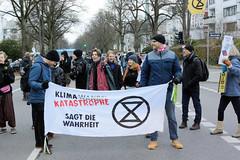 Swarming-Aktion der XR Youth Hamburg am 13.12.19 in Hamburg Rotherbaum.