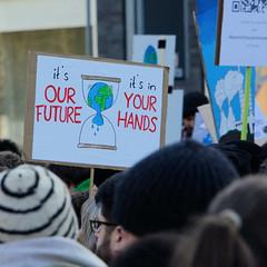 Klimastreik - Neustart Klima, Demonstration Fridays for Future am 29.11.2019 mit ca. 50 000 TeilnehmerInnen in Hamburg.